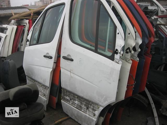 купить бу Б/у дверь передняя Mercedes Sprinter 2006- в Ровно