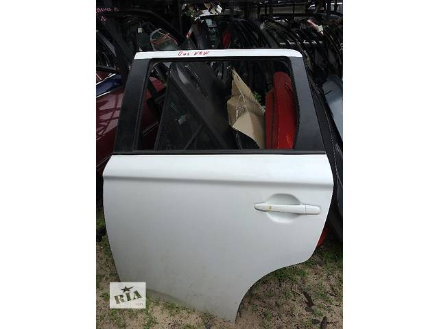 бу Б/у дверь задняя для легкового авто Mitsubishi Outlander в Киеве