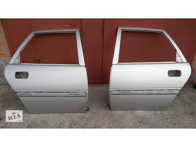 продам Б/у дверь задняя для легкового авто Opel Vectra A бу в Умани