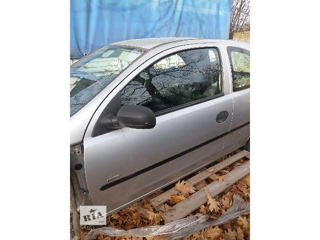 купить бу Б/у Дверь передняя Opel Corsa 2005 в Стрые