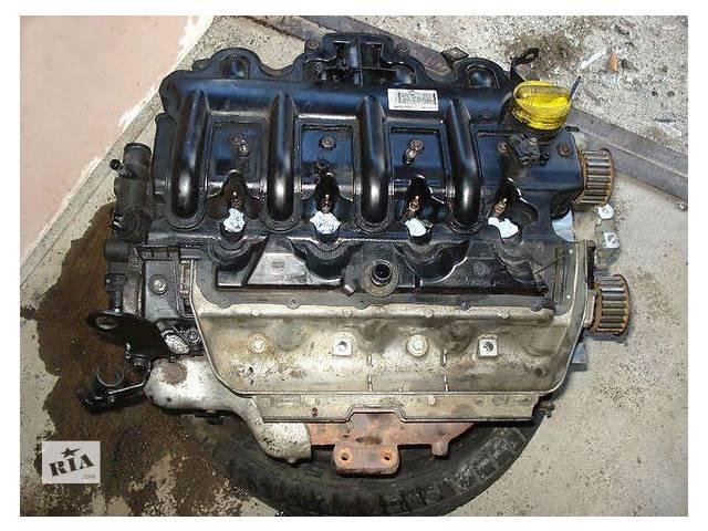 купить бу Б/у двигун для легкового авто Opel Vivaro 1.9 dci в Ужгороде