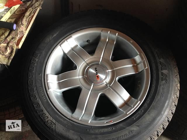 купить бу Б/у диск с шиной для легкового авто Cadillac Escalade в Киеве