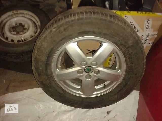 купить бу Б/у диск с шиной для легкового авто Skoda Octavia в Киеве