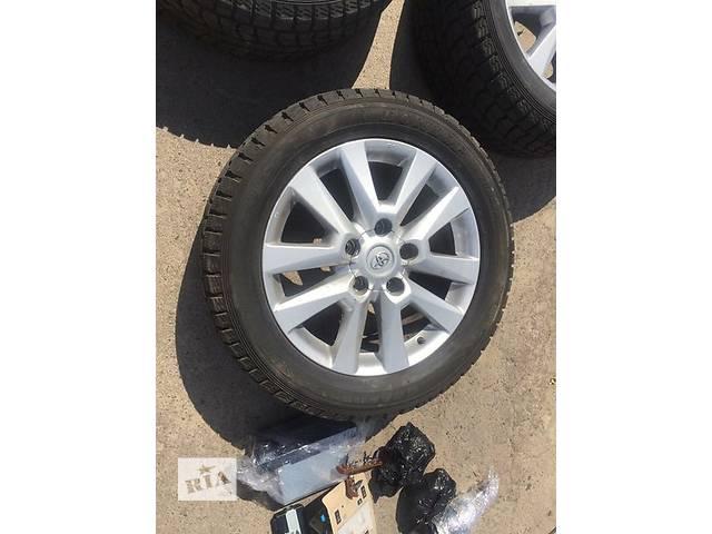 продам Б/у диск с шиной для легкового авто Toyota Land Cruiser 200 бу в Ровно