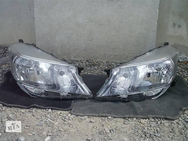 продам Б/у фара для легкового авто Toyota Yaris бу в Чернигове