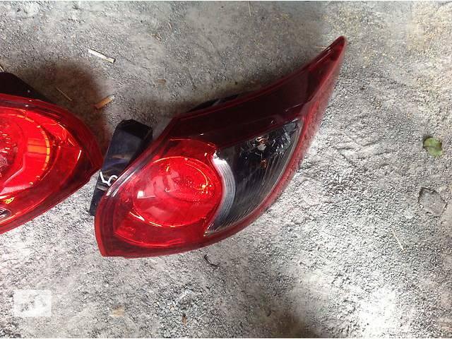 продам Б/у фонарь задний для легкового авто Mazda CX-5 бу в Ровно