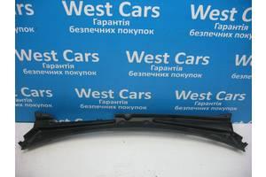Б/У Накладка под лобовое стекло Renault Kangoo Kangoo 2008 - 2012 8200498150. Вперед за покупками!