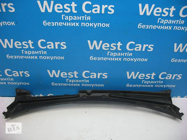 бу Б/У Накладка под лобовое стекло Renault Kangoo Kangoo 2008 - 2012 8200498150. Вперед за покупками! в Луцке