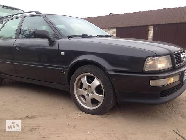 купить бу Б/у капот для универсала Audi 80 в Киеве