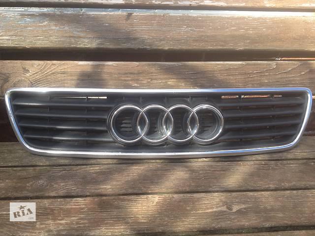 купить бу Б/у решотка капота для Audi A6 1996 в Луцке