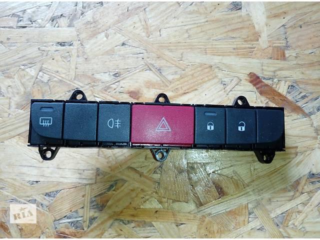 Б/у кнопка аварийки Блок кнопок Пежо Боксер Peugeot BoxerIII с 2006г.- объявление о продаже  в Ровно
