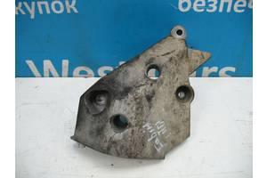 Б/У Кронштейн двигателя правый на 1.4TDi Fabia 2007 - 2014 045199207H. Вперед за покупками!