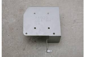 Б/у Кронштейн магнитолы правый на SUBARU Forester (SG) 2006-2007 lift 66201SA080