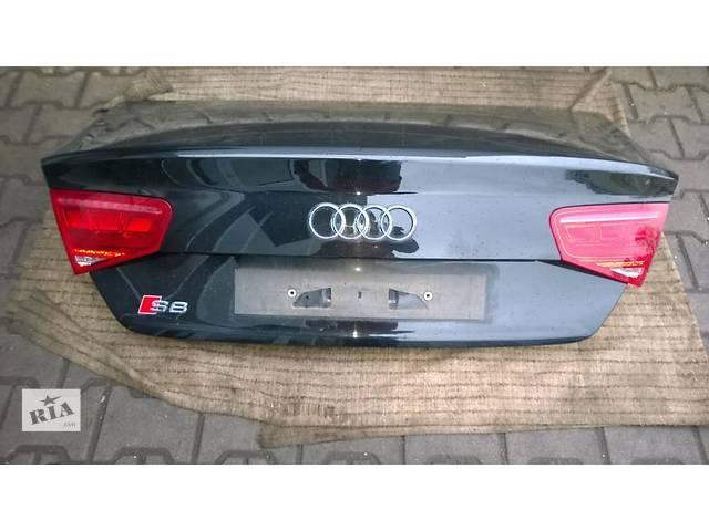 купить бу Б/у крышка багажника для легкового авто Audi A8 d4 в Львове