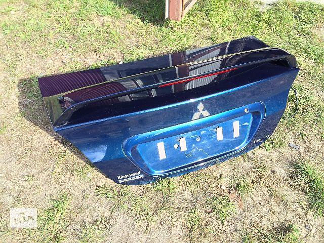 купить бу Б/у крышка багажника соспойлером  Mitsubishi Lancer 2006 в Львове
