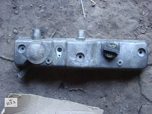 продам Б/у крышка клапанная для легкового авто Ford Transit Connect бу в Сумах