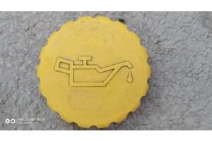 Б/у кришку маслозаливної горловини для Opel Combo