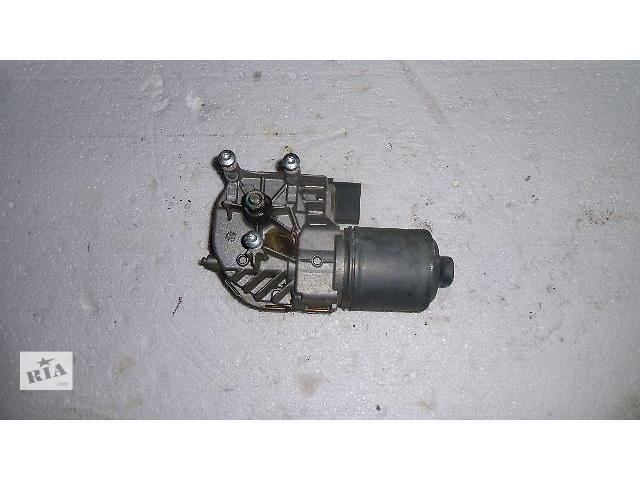 купить бу Б/у моторчик стеклоочистителя передний для легкового авто Volkswagen Jetta 2008 в Коломые