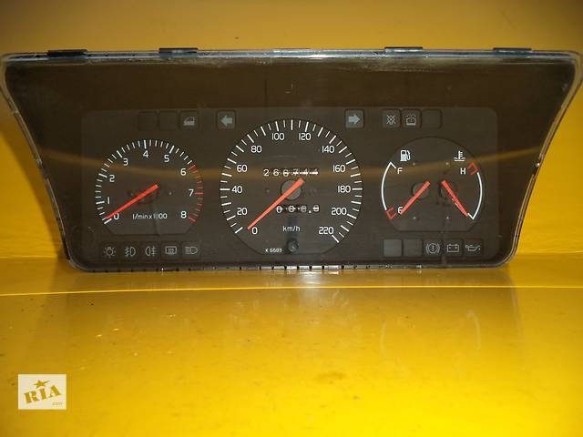 продам Б/у панель приборов/спидометр/тахограф/топограф для легкового авто Volvo 440 Bensin бу в Луцке