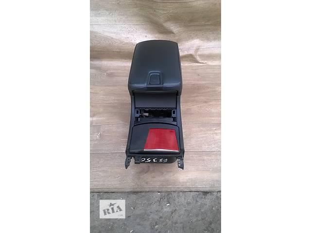 продам Б/у подлокотник 58910-33320-C0 для седана Lexus ES 350 2007г бу в Николаеве