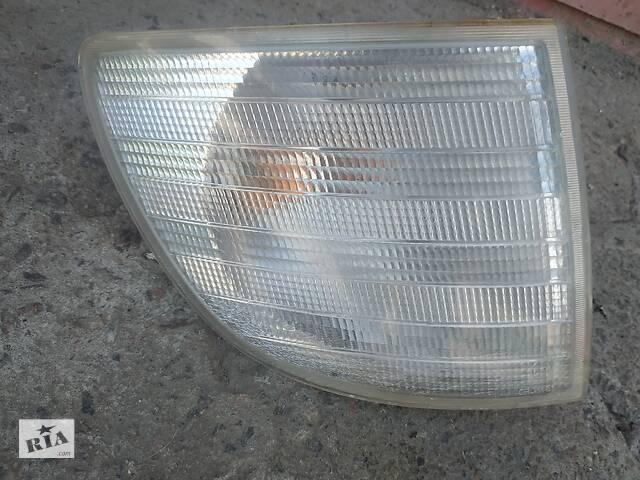 купить бу Б/у поворотник, повторитель поворота правый для Mercedes Vito W638 в Умані