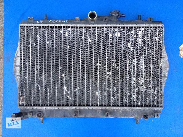 купить бу Б/у радиатор для легкового авто Hyundai Accent 1.3 1998  в Луцке