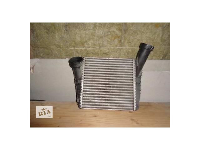 Б/у радиатор интеркуллера для кроссовера Volkswagen Touareg- объявление о продаже  в Львове