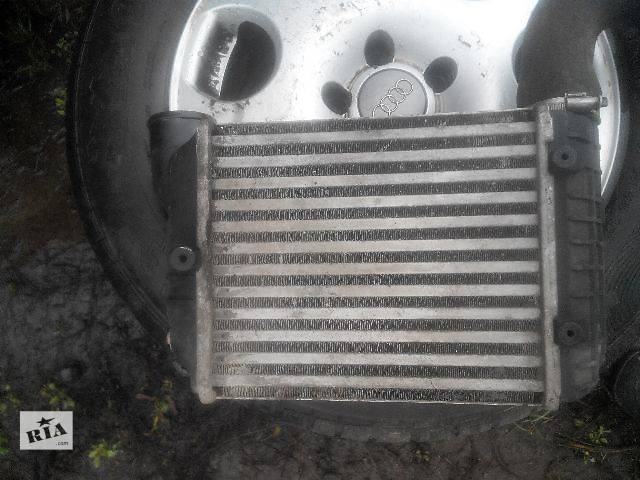 купить бу Б/у радиатор интеркуллера для легкового авто Audi A4 2004 в Львове
