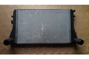 б/у Радиаторы интеркуллера Volkswagen Passat