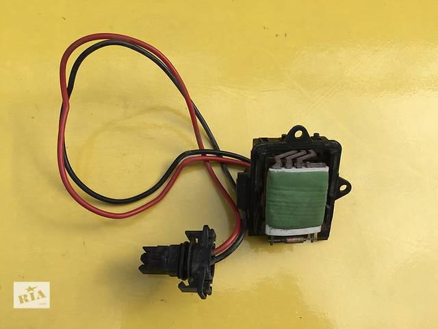продам Б/у регулятор оборотов вентилятора печки для легкового авто Renault Trafic бу в Ковеле