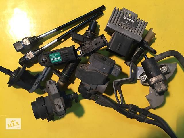 продам Б/у реле и датчики для легкового авто Renault Trafic бу в Ковеле