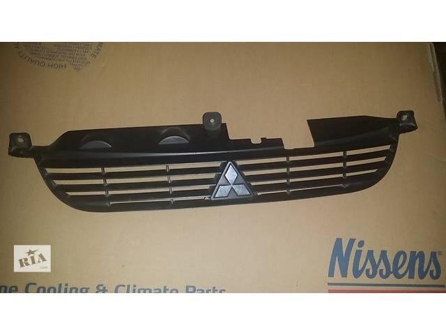 продам Б/у решётка бампера для легкового авто Mitsubishi Space Star бу в Ровно