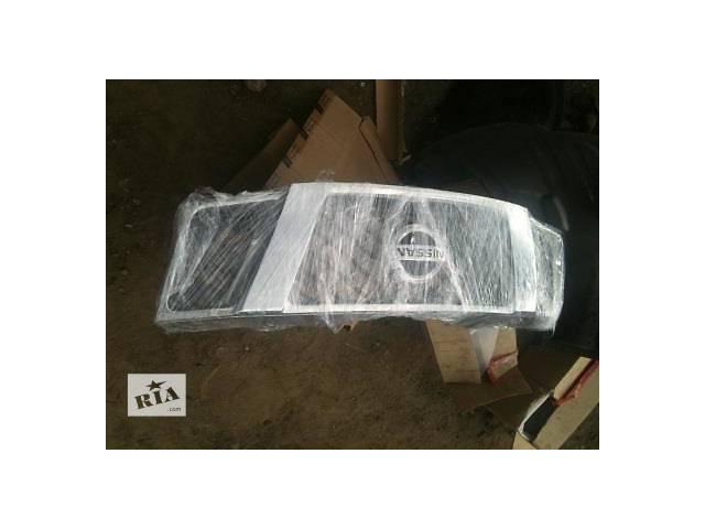 купить бу Б/у решётка радиатора для легкового авто Nissan Navara в Ровно