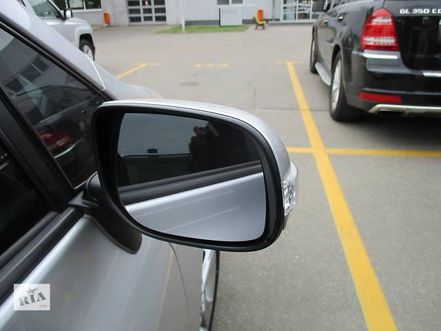 купить бу Б/у Стекло зеркала наружного правого для легкового авто Toyota Auris в Киеве