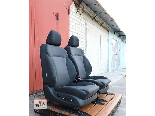 купить бу Б/у сиденье для легкового авто Lexus IS 250 в Киеве
