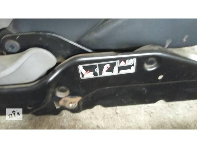 купить бу Б/у Сидіння водія сиденья для Renault Kangoo Рено Канго Кенго 1,5 DCI К9К 2008-2012 в Луцке