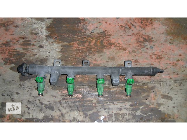бу Б/у топливная рейка для легкового авто Hyundai Accent 2008 1.4 в Коломые