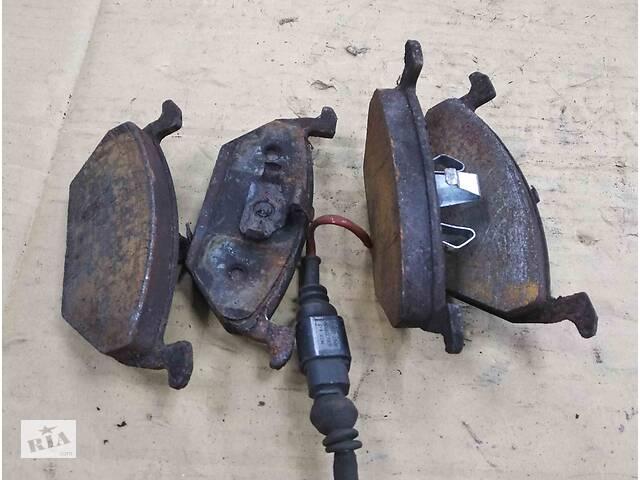 продам Б/у тормозные колодки ПЕРЕДНИЕ комплект/накладки для Volkswagen Bora бу в Ровно