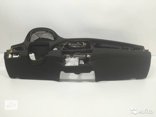 продам Б/у торпедо/накладка для легкового авто BMW X5 E70 черная бу в Киеве