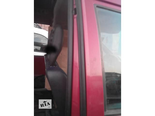 купить бу Б/у уплотнитель двери для легкового авто Citroen Jumpy в Радивилове