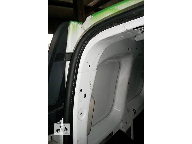 бу Б/у Уплотнитель двери Renault Kangoo Кенго 1,5 DCI К9К 2008-2012 в Рожище