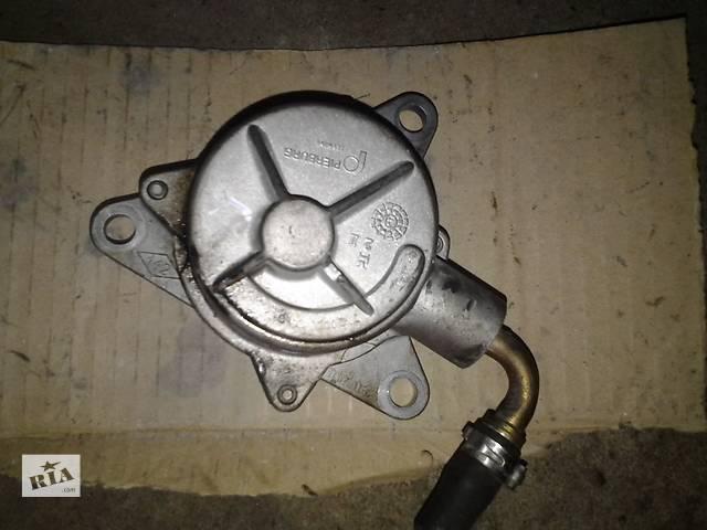 продам Б/у вакуумный насос для легкового авто Renault Espace (laguna) 2.2d-td бу в Ковеле