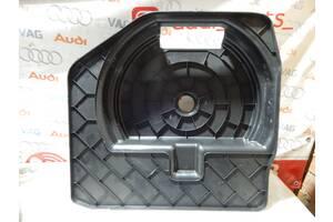 Б/У Защита запаски AUDI A4 A5 8T0012116A