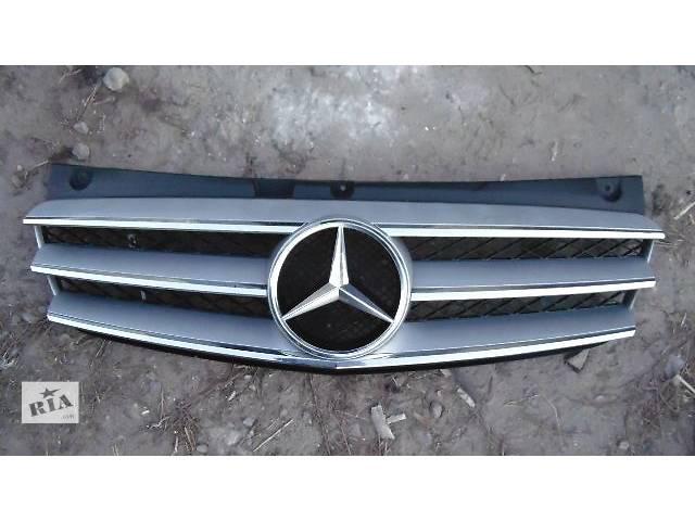 купить бу б/у Детали кузова Решётка радиатора Легковой Mercedes Viano 2013 в Ковеле