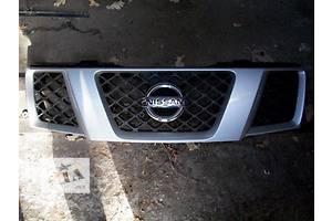 б/у Решётки радиатора Nissan Navara