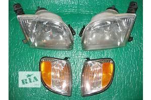 б/у Фары Toyota Tundra