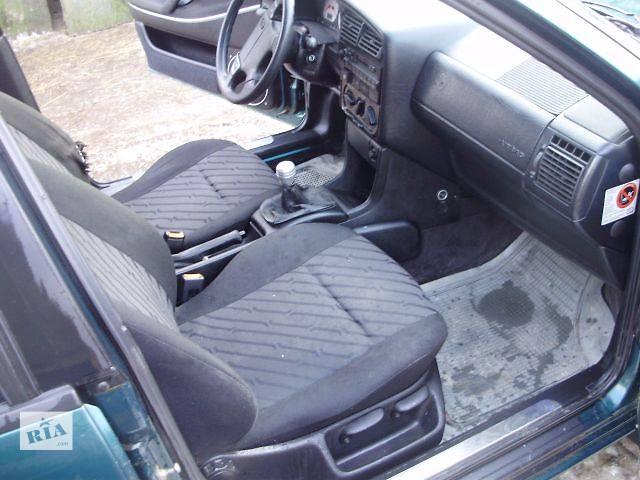 бу Б/у Компоненты кузова Сиденье Легковой Volkswagen B4 в Тернополе