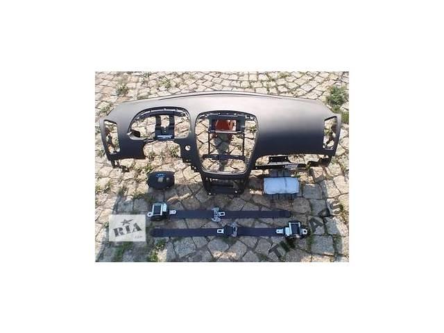 продам б/у Компоненты кузова Торпедо/накладка Легковой Kia Ceed бу в Чернигове