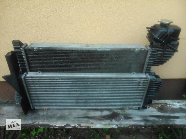 продам Б/у радиатор интеркуллера для легкового авто Mercedes Sprinter 312 1999 бу в Тернополе