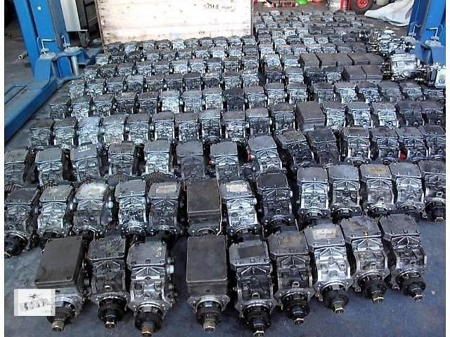купить бу б/у Топливная система Топливный насос высокого давления/трубки/шест Легковой Renault Trafic в Львове